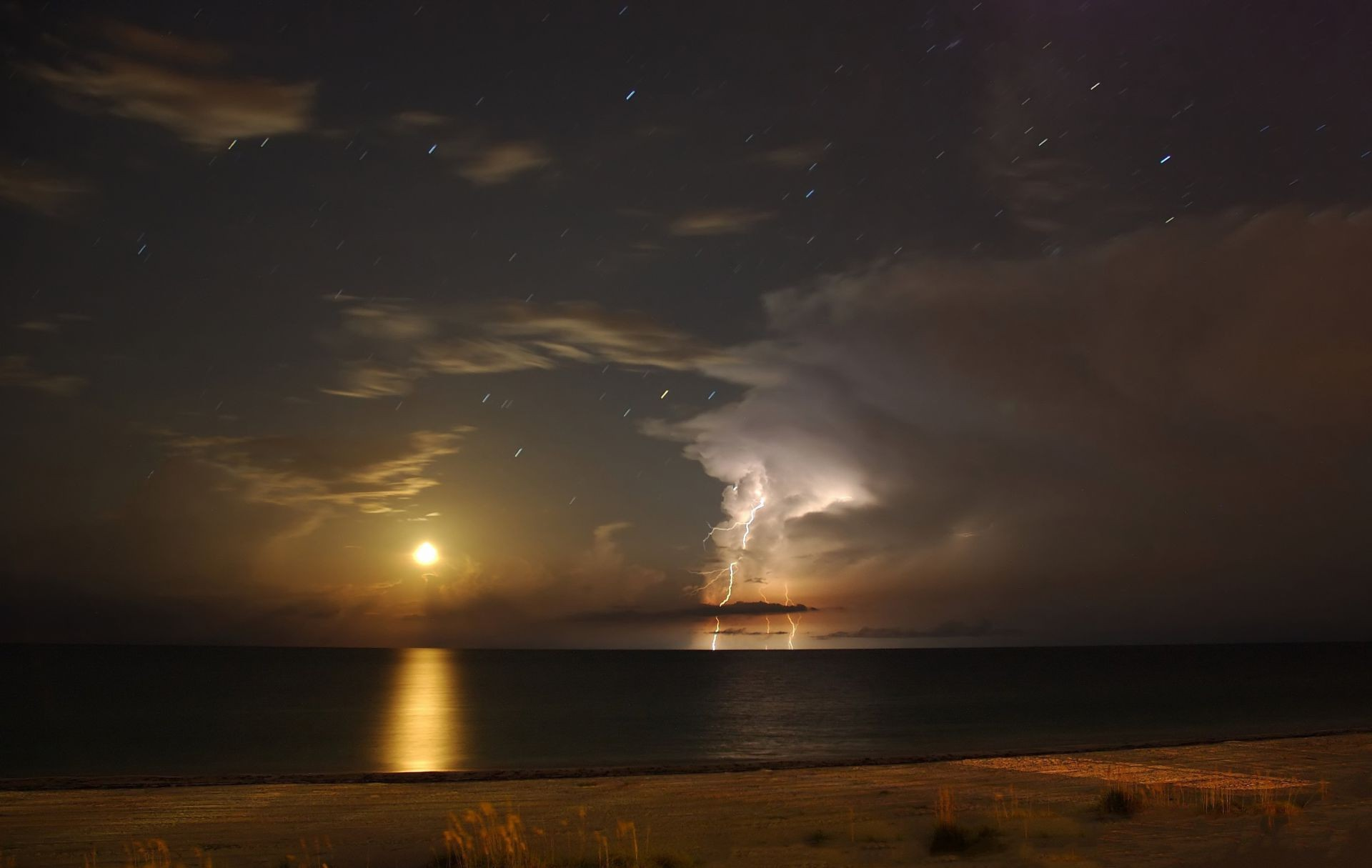 Beach In Storm Lightning: Stars Lightning Sea. Android Wallpapers For Free