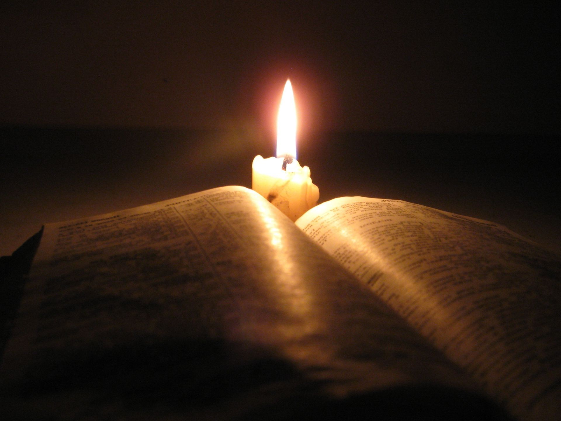 Book Candle Bible Dark Phone Wallpapers