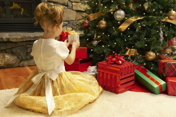 girl gifts what s inside unpacking gifts tree