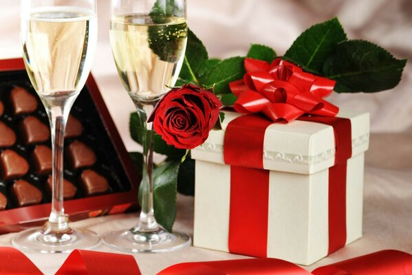 Holiday champagne gift rose glass candy
