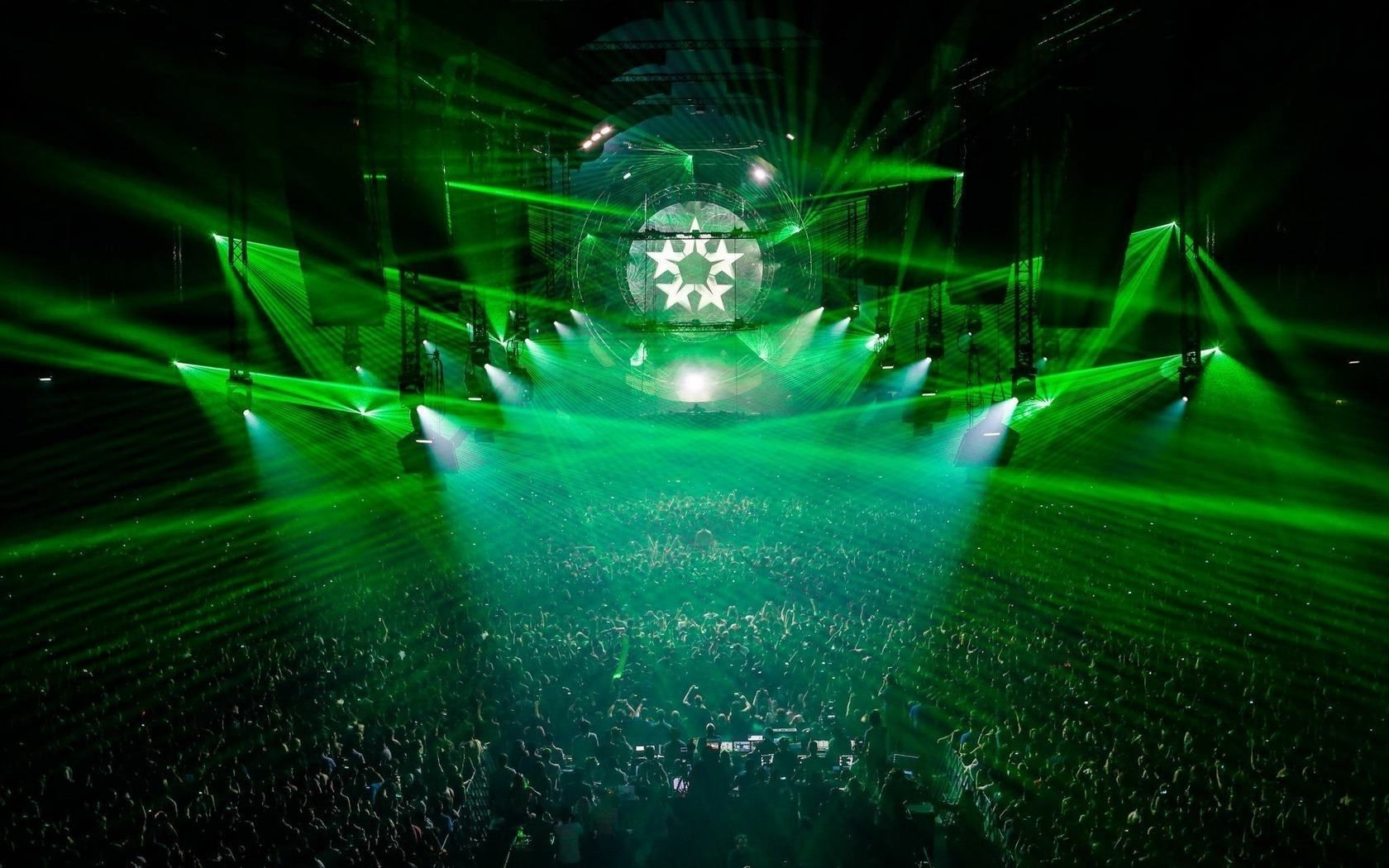 Green lasers and lights