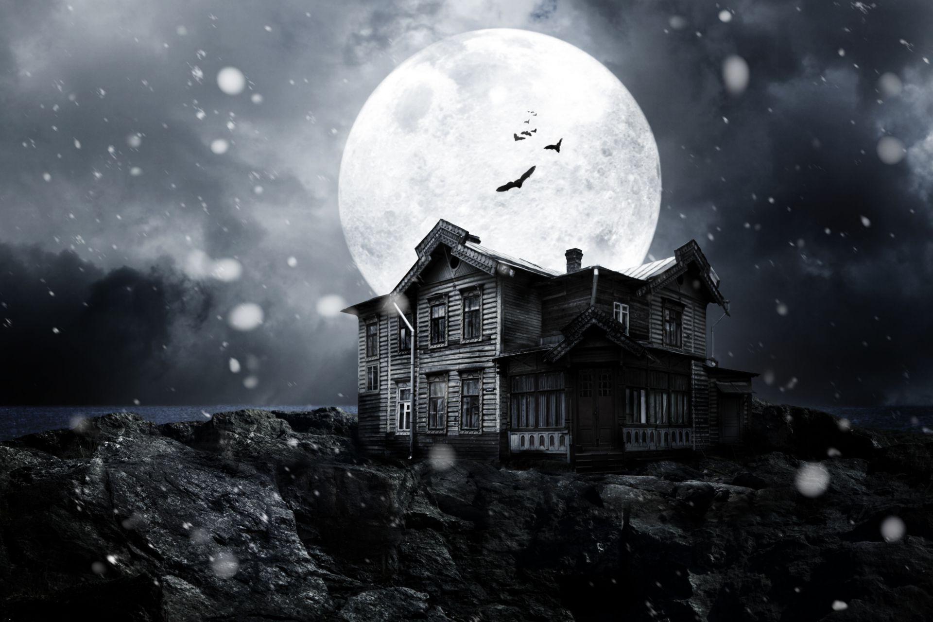Haunted House Night Bats Full Moon Midnight Moonlight