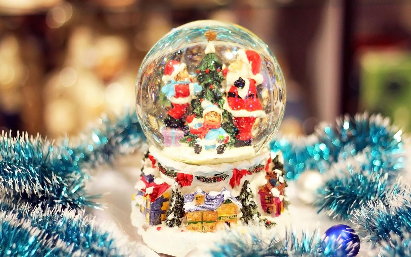 snow globes wallpaper  A snow globe Santa snow globe. Android wallpapers for free.