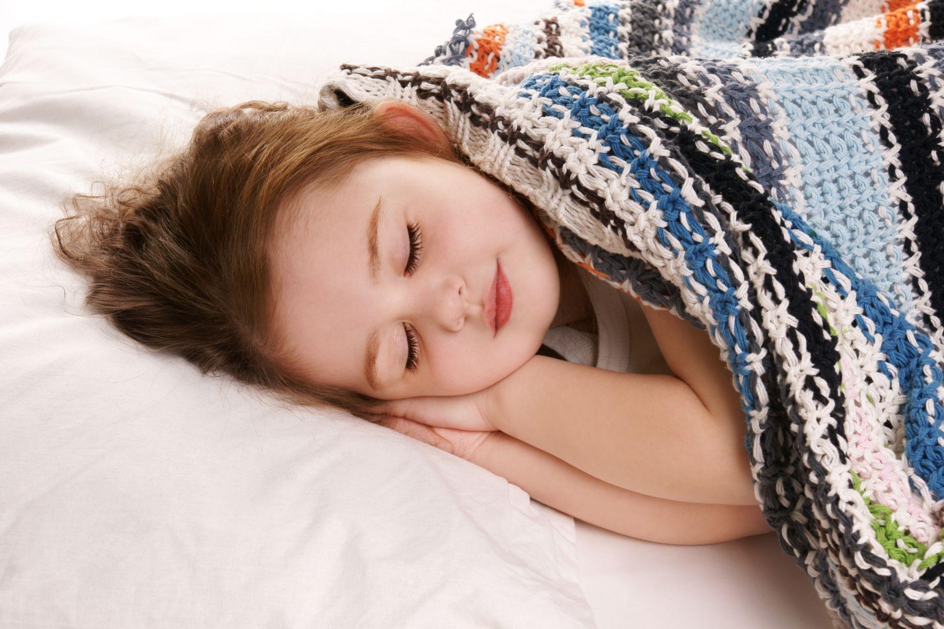 Holiday Blanket Baby Girl Sleep Phone Wallpapers
