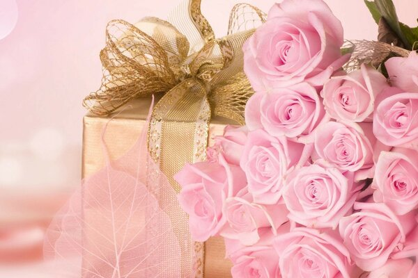surprise pink gift love Rose bouquet flowers