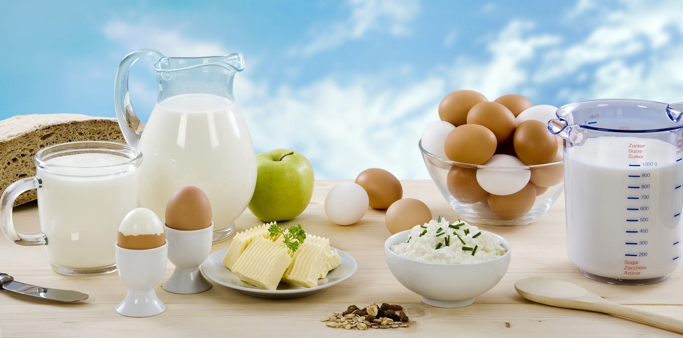 breakfast milk food egg glass table healthy