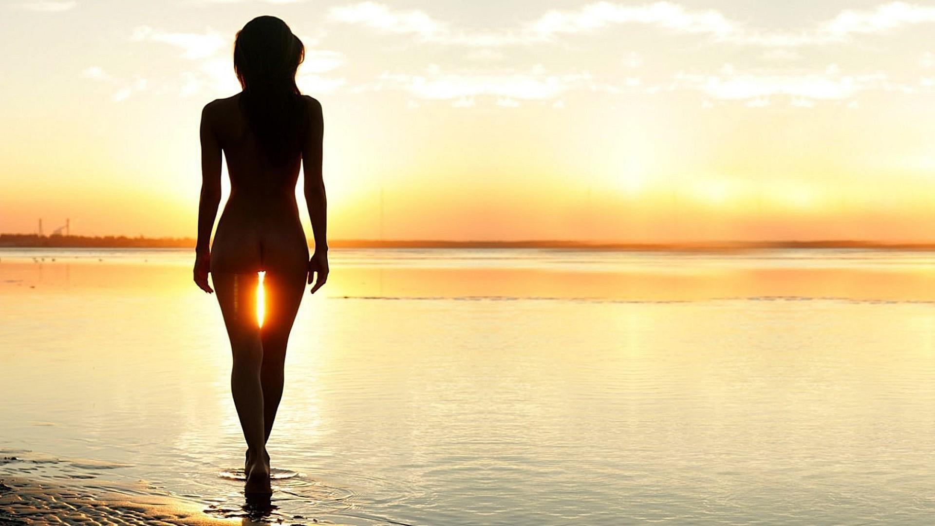 девушка море закат пейзаж загрузить