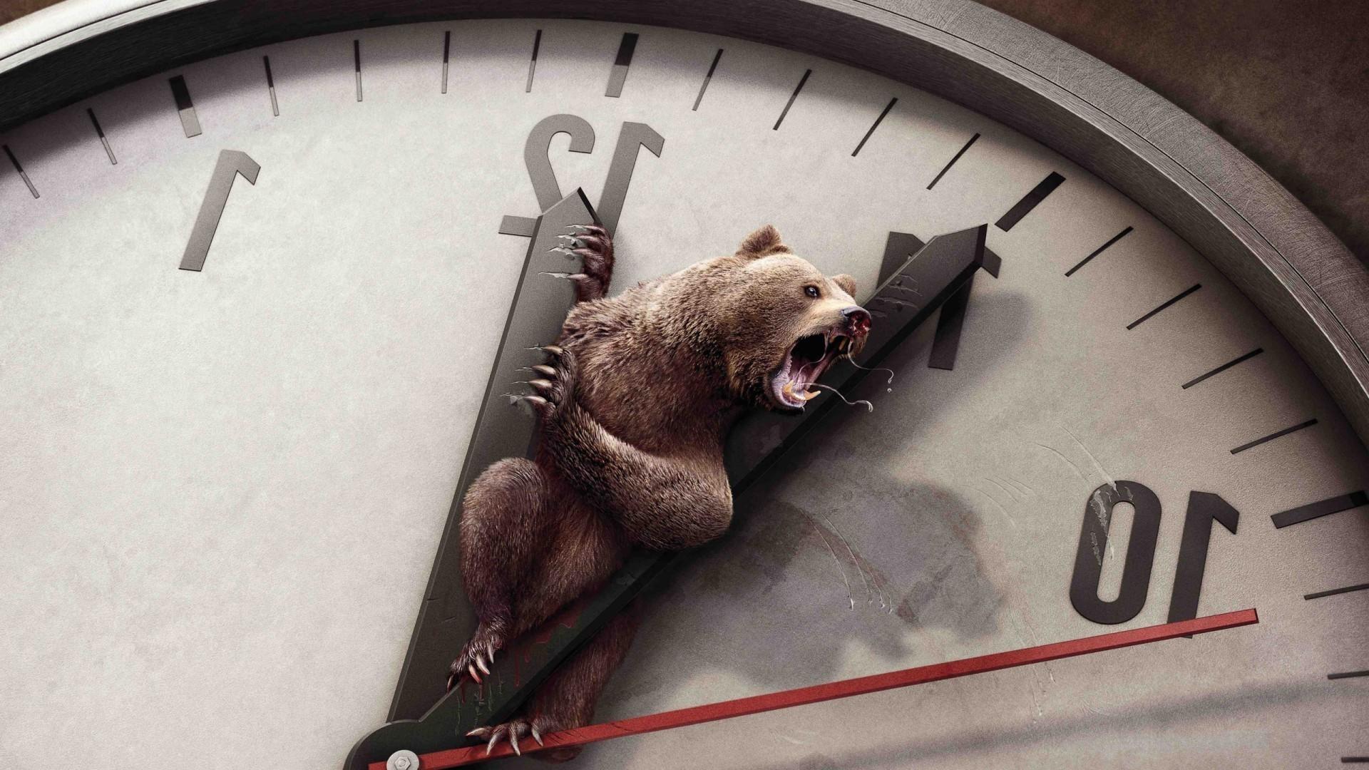 Медведь в стрелках часов без смс