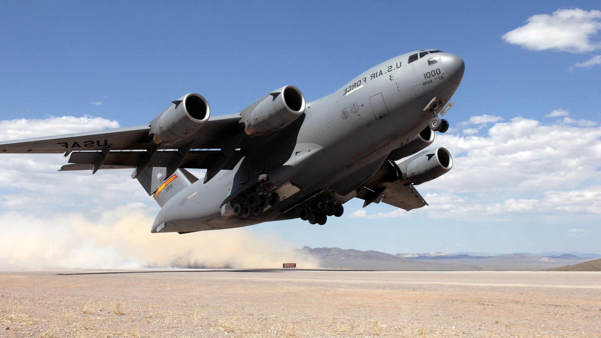 transport aircraft. desktop wallpapers for free.