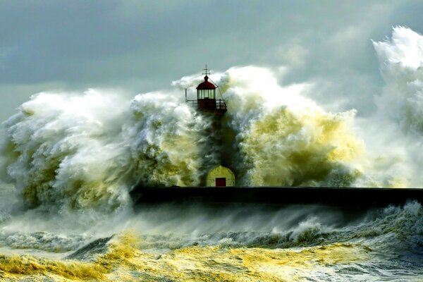 Storm,lighthouse,pier