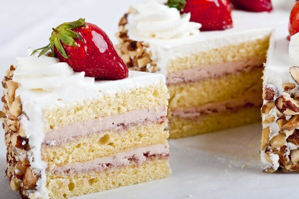 cake strawberries and cream