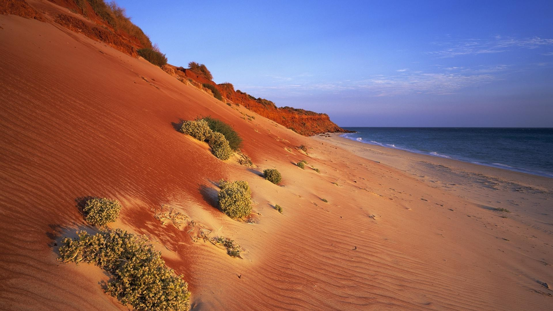 Sea, red Sands, greens