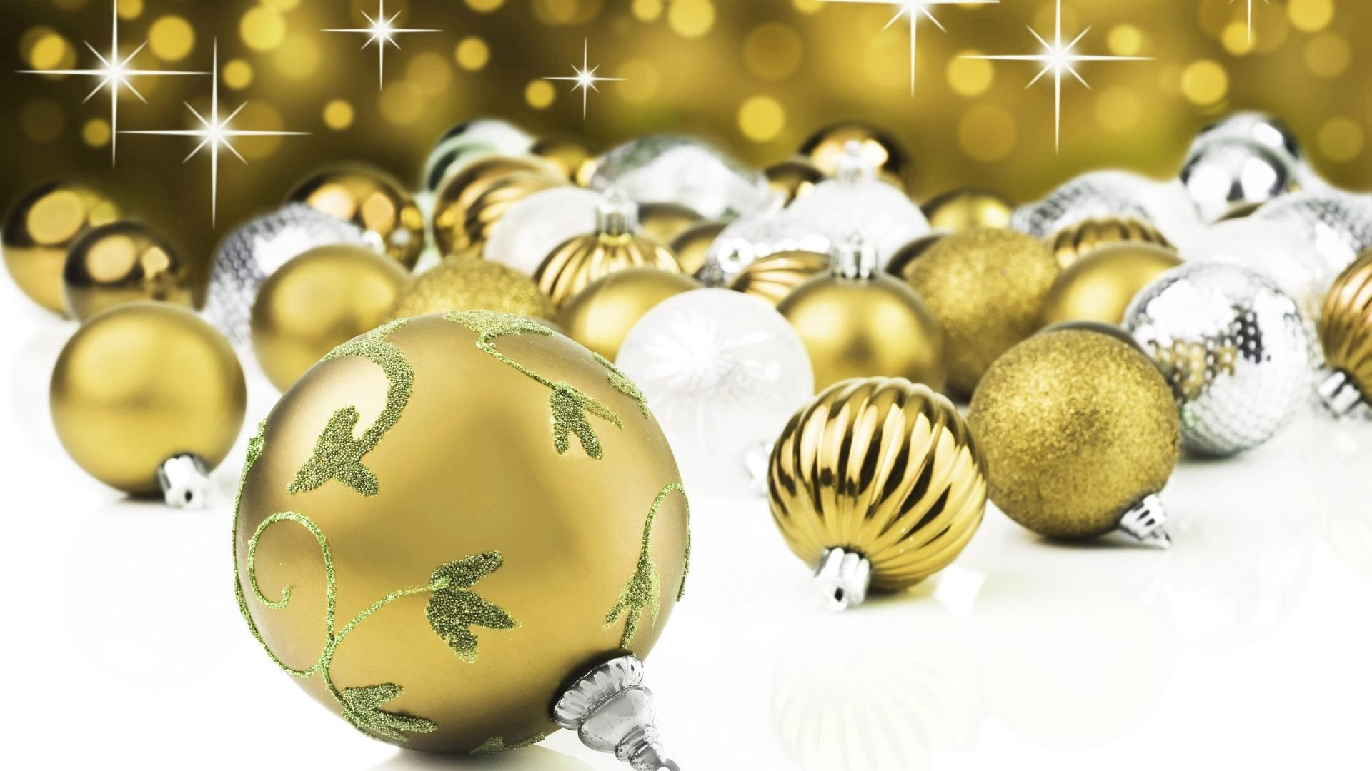 new year christmas ball sphere winter decoration shining gold bangle celebration glisten merry desktop ornate round bright traditional season