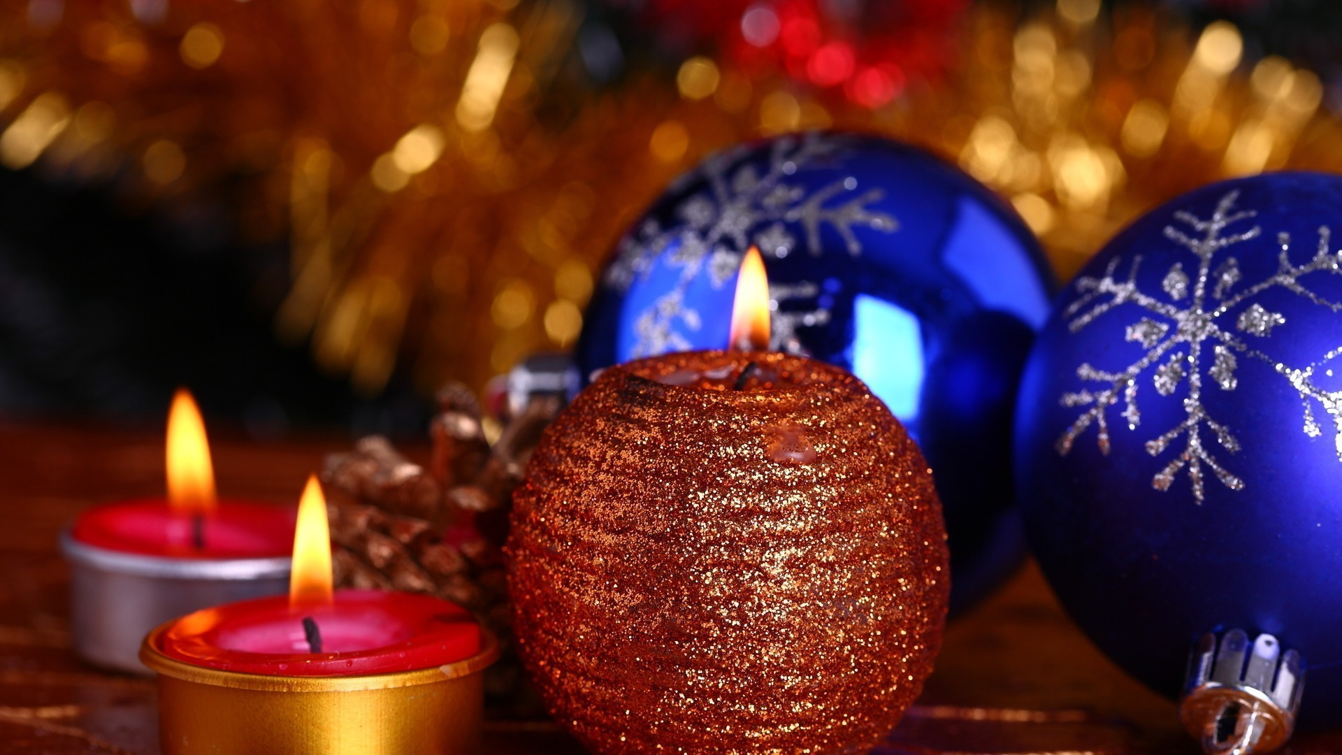 Christmas Balls Candles Android Wallpapers