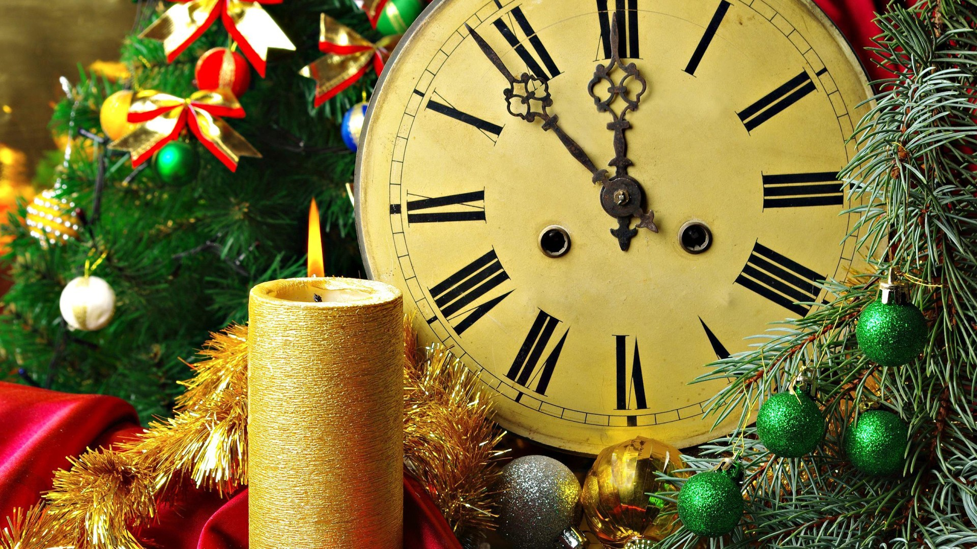 new year christmas celebration clock time decoration gold midnight bell eve shining winter thread gift watch round traditional ornate