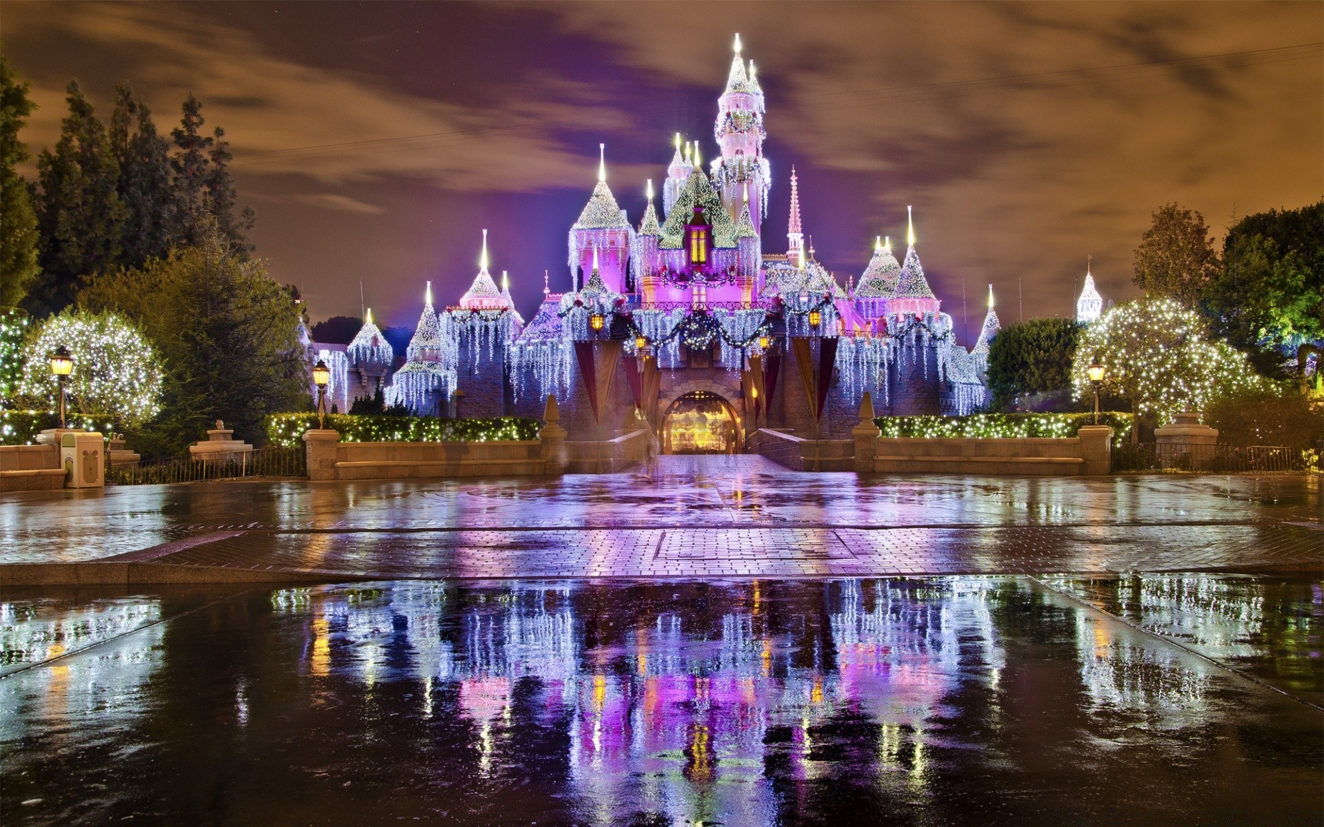 Sleeping Beauty Castle Christmas At Disneyland IPhone Wallpapers For Free