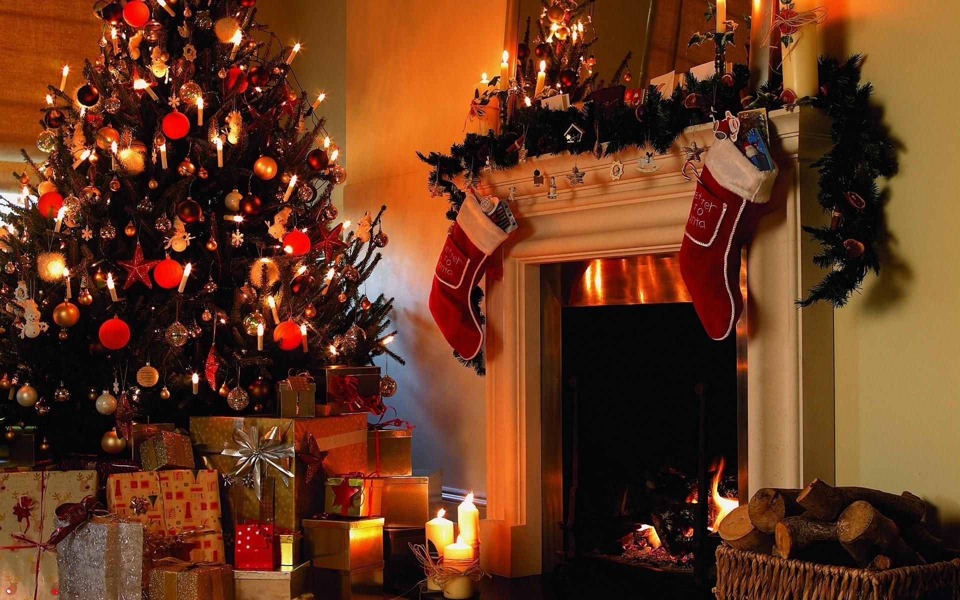 Christmas Tree House Phone Wallpapers