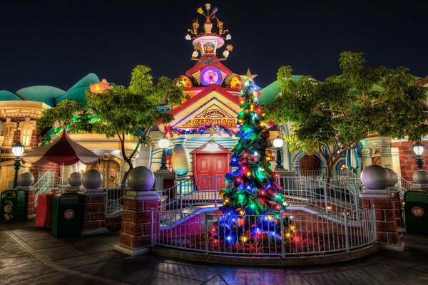 Toontown Christmas at City Hall