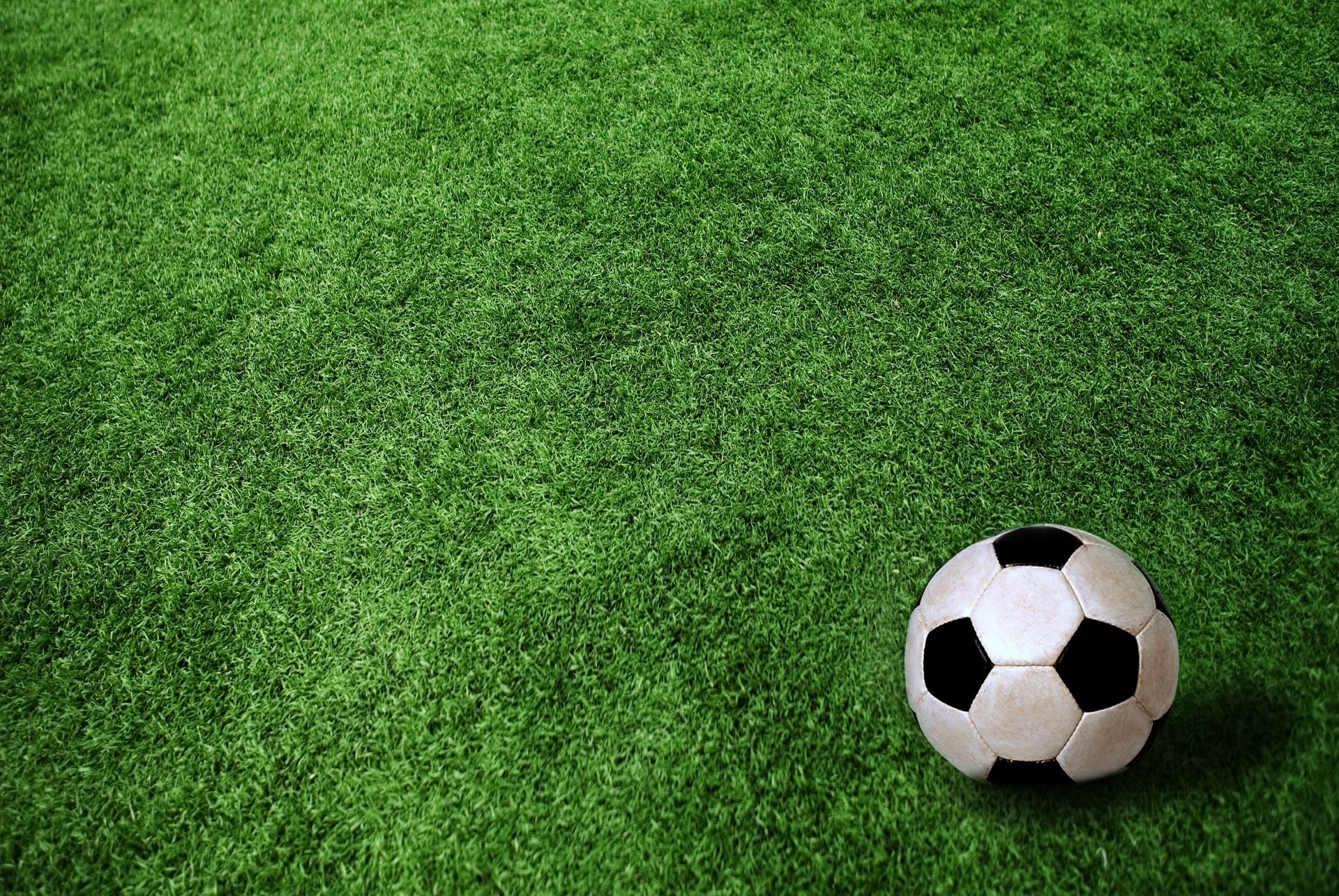Free Soccer Wallpaper: Soccer Ball On Green Field. Android Wallpapers For Free