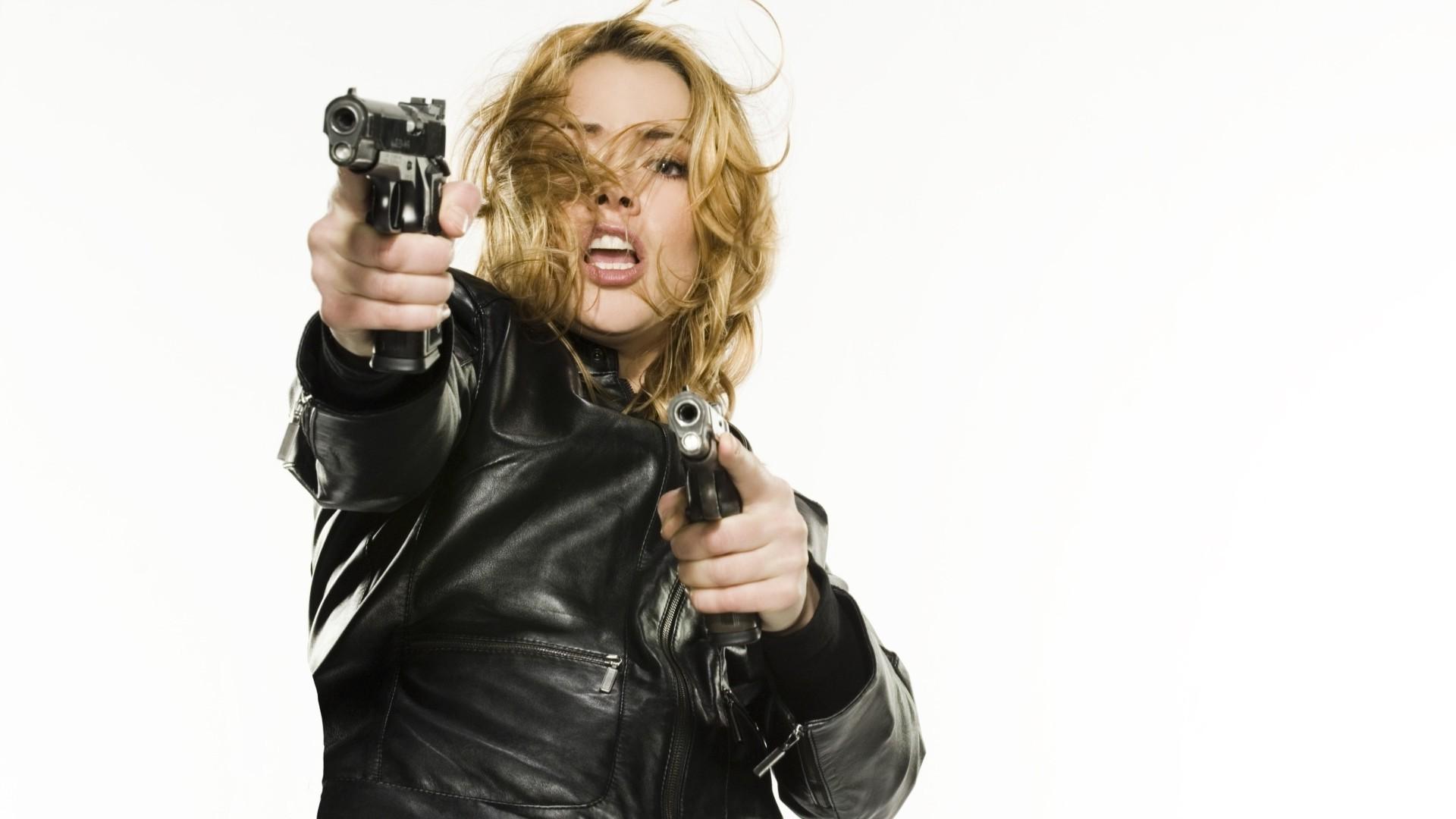 Girl With Guns Android Wallpapers