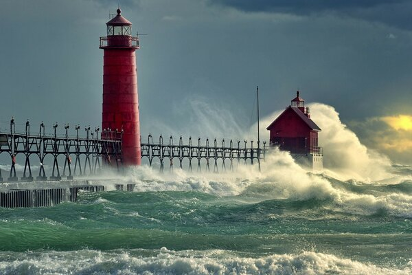 Red lighthouse can withstand the onslaught of the waves