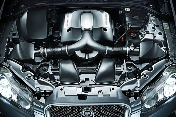 Jaguar Supercharged Engine