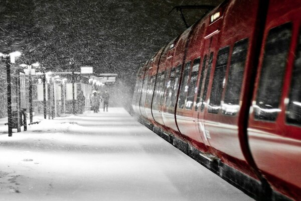 Red Train, Winter