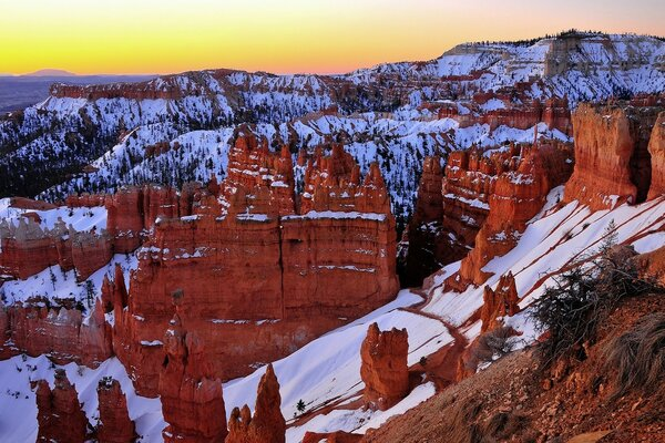 Sunrise At Sunset Point, Bryce Canyon, Utah
