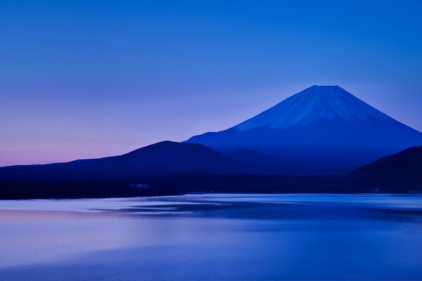 Lake Motosu and Mount Fuji