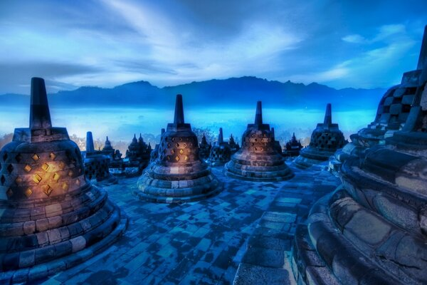 Hearts Of The Buddhas, Indonesia