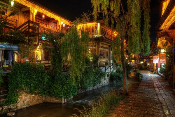 Quiet NIght at Lijiang, China